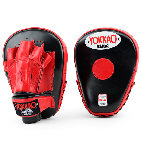 YOKKAO Curved Focus Mitts Black/Red