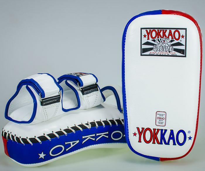 YOKKAO Curved Kicking Pads Thai Flag