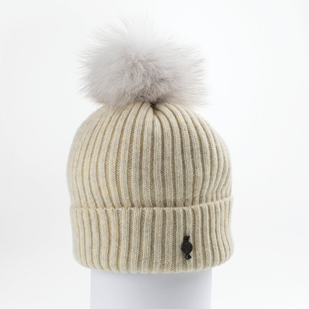 CLASSIC BEANIE WITH UPCYCLED FUR (BEIGE) - HARRICANA