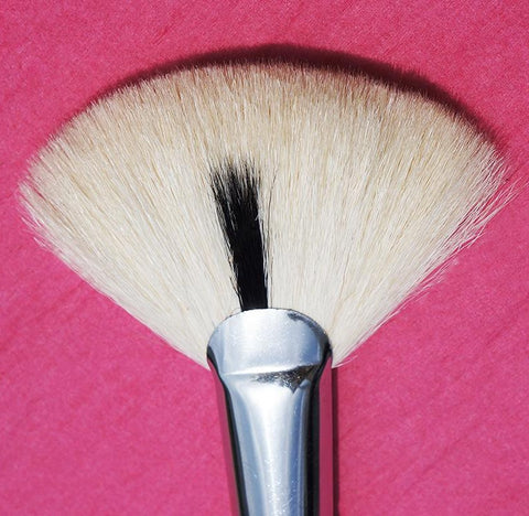 Contouring Makeup Brush