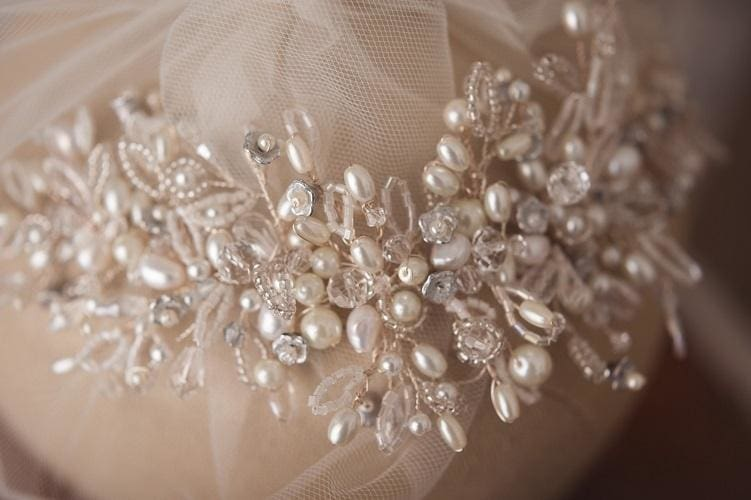 2020's Hottest Wedding hair accessories and Makeup Trend On Bridelily