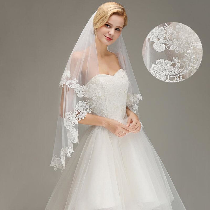 1.5M Lace Edge Short Comb Two Layers Wedding Veils | Bridelily - wedding veils