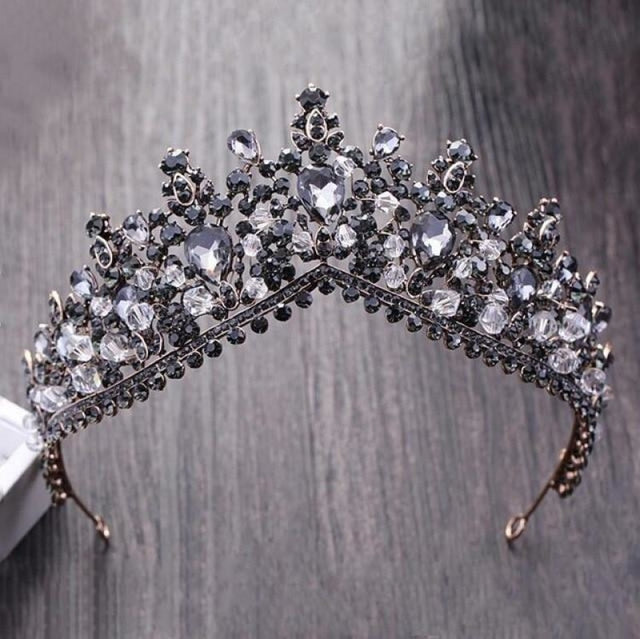 Charming Jewelry Princess Rhinestone Tiaras | Bridelily - Black - tiaras