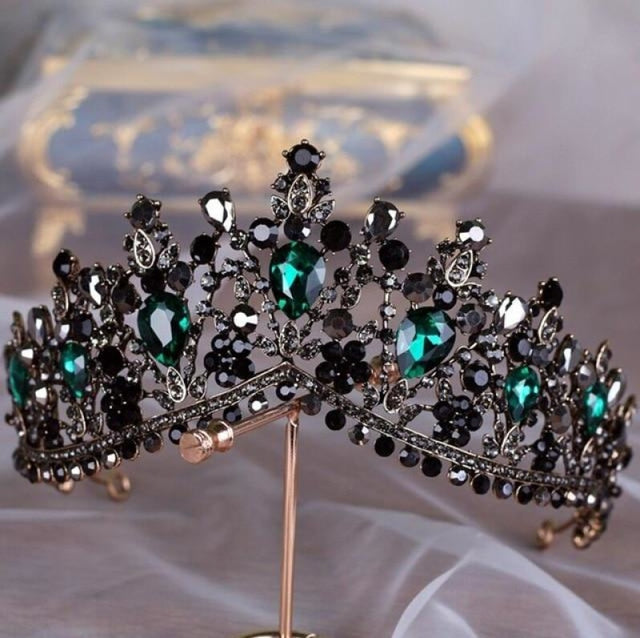 Charming Jewelry Princess Rhinestone Tiaras | Bridelily - Dark Green - tiaras