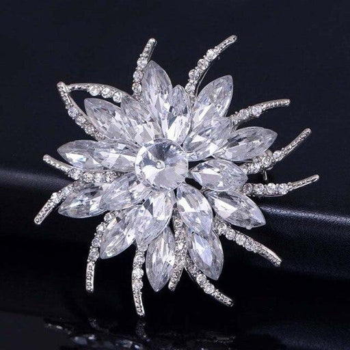 Fashion Crystal Flowers Hamdmade Wedding Brooches | Bridelily - Clear - brooches
