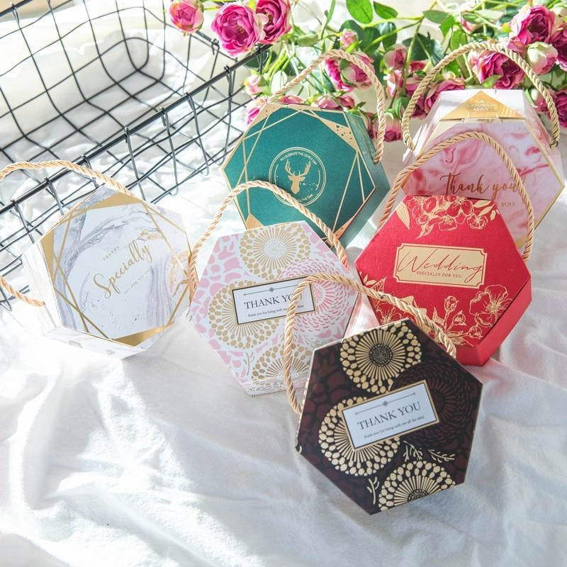 Hexagon Wedding Gifts With Handles Favor Holders | Bridelily - favor holders