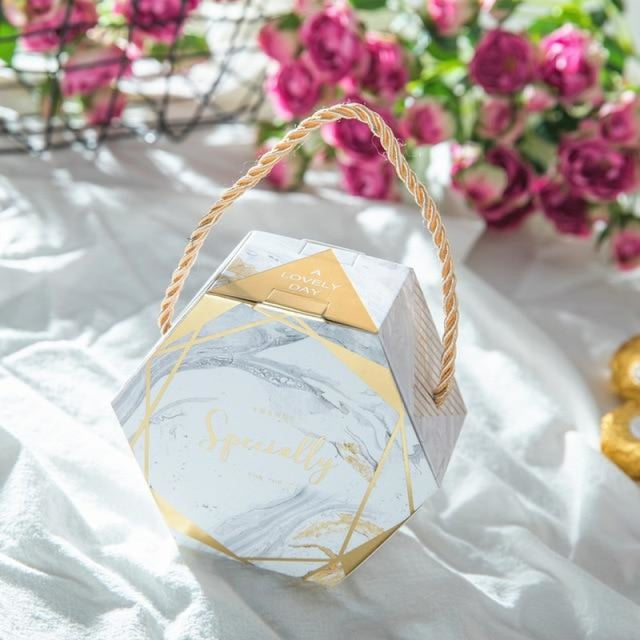 Hexagon Wedding Gifts With Handles Favor Holders | Bridelily - Silver / 50 PCS - favor holders