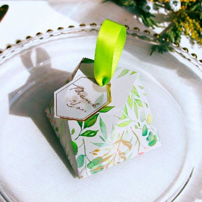 Leaves Diamond Shape With Cards Favor Holders | Bridelily - favor holders