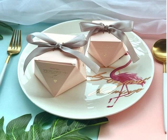 Polygon Sweet Bow With Ribbon Favor Holders | Bridelily - Pink-Silver Ribbon / 20 pcs - favor holders