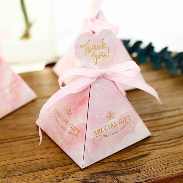 Pyramid Heart Handle With Ribbon Favor Holders | Bridelily - Pink / 50PCS - favor holders