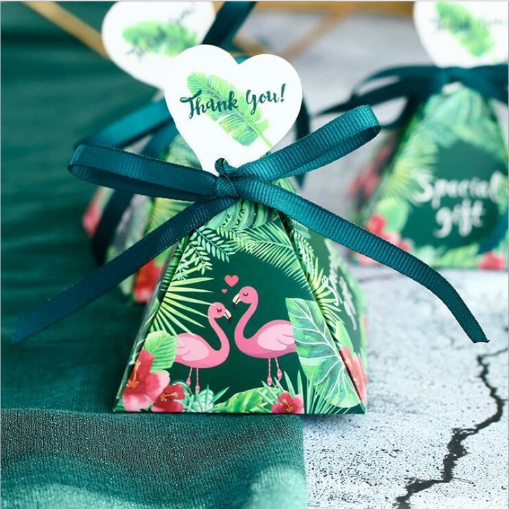 Pyramid Heart Handle With Ribbon Favor Holders | Bridelily - favor holders