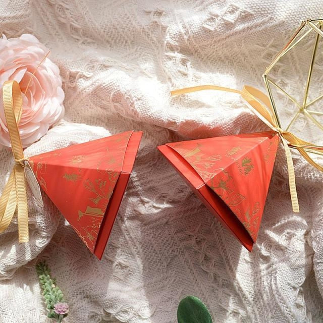 Pyramid Paper Tags With Ribbon Favor Holders | Bridelily - 6 / S 7.0x7.0x7.0cm / 20 PCS - favor holders