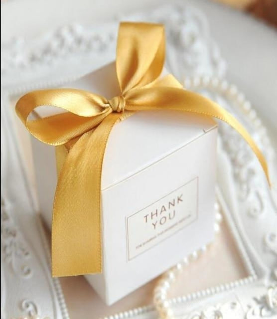 Simple Atmosphere White With Bow Favor Holders | Bridelily - Gold / 50pcs - favor holders