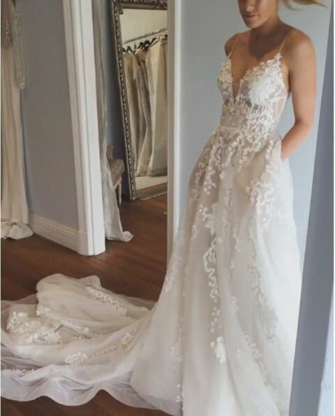 Stunning Appliques Lace Spaghetti Straps Wedding Dress - Wedding Dresses