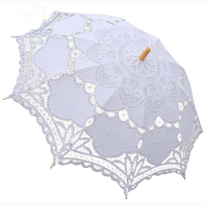 Vintage Victorian Lace Wedding Umbrellas | Bridelily - wedding umbrellas
