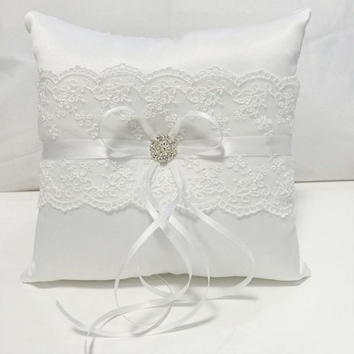 White Lace Coussin Alliance Wedding Ring Pillow | Bridelily - ring pillows