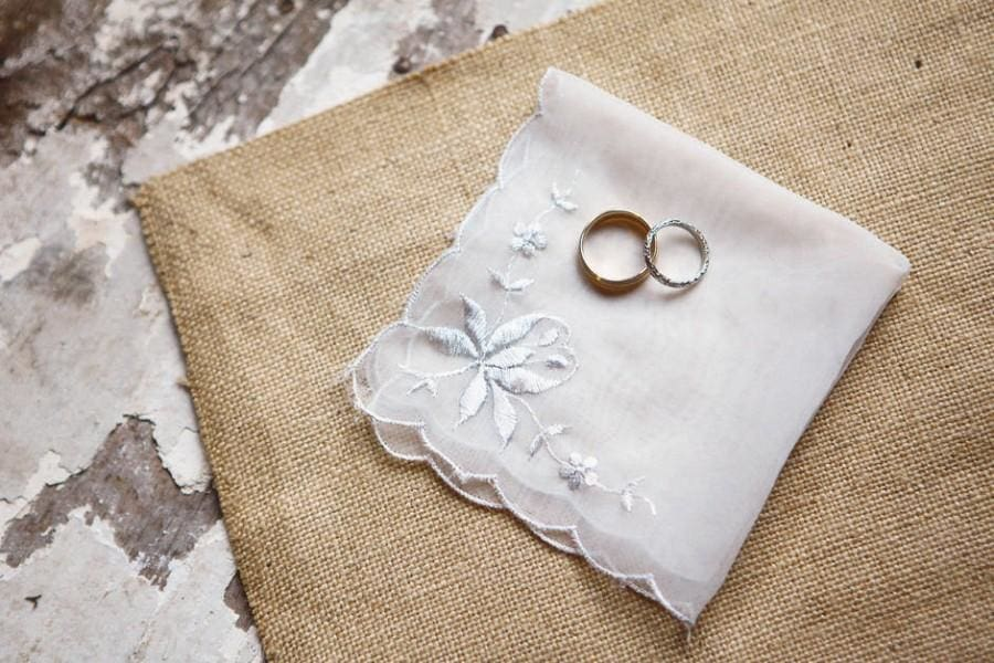 If you need a little more help than this wedding accessories checklist, check out our to-do list!