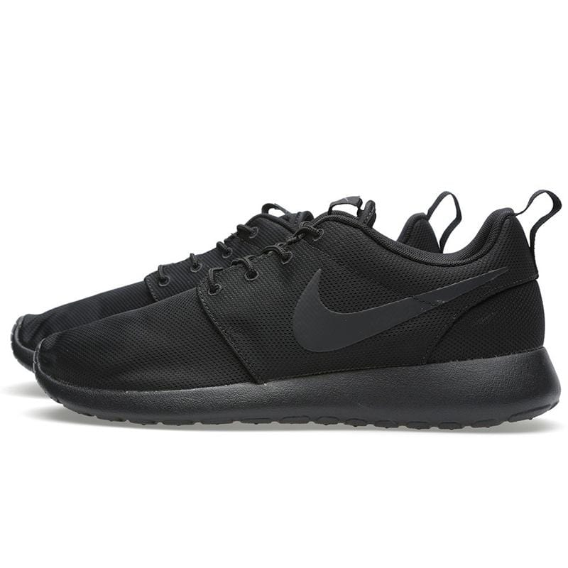 Nike Rosherun 'Triple Black' - Kick Game