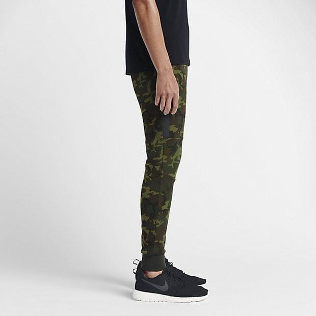 NIKE TECH FLEECE CAMO MEN'S TROUSERS - Sequoia Black