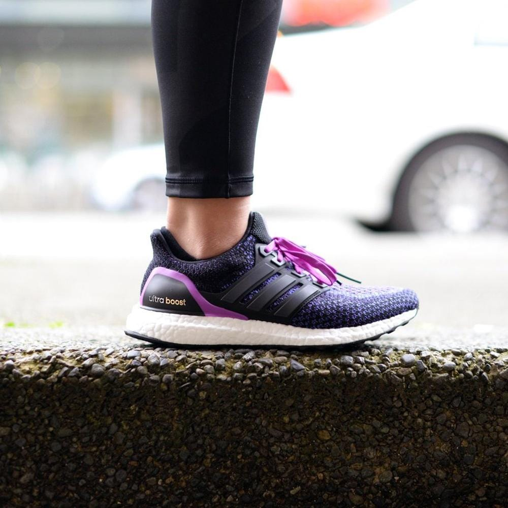 "Adidas Ultra Boost WMNS ""Core Black-Shock Purple"" - Kick Game"