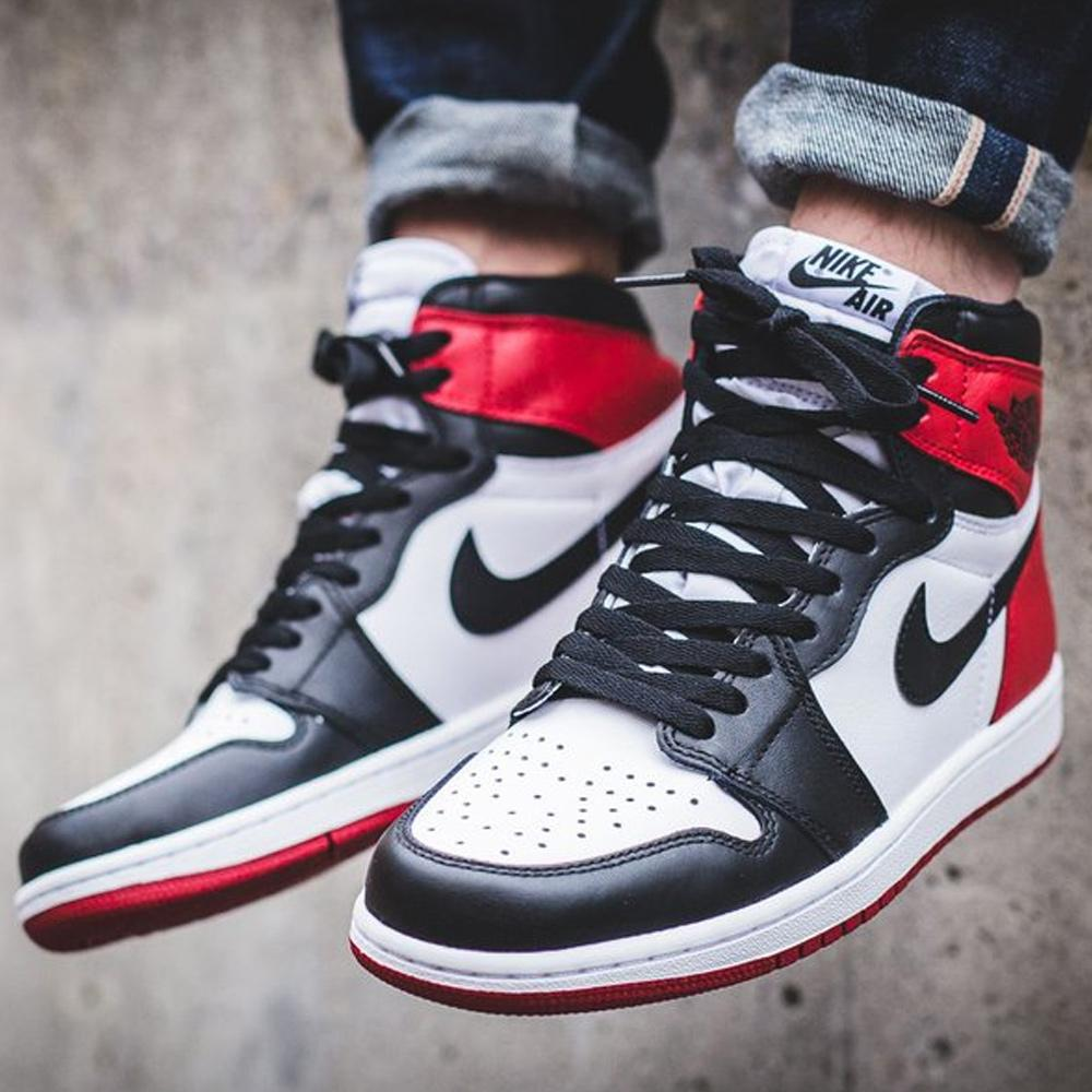 Air Jordan 1 Retro High OG Black Toe - Kick Game