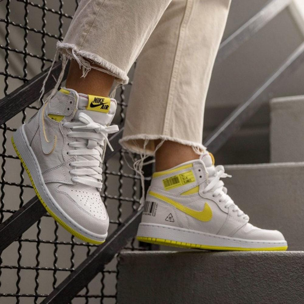 Air Jordan 1 Retro High OG GS 'First Class Flight' - Kick Game