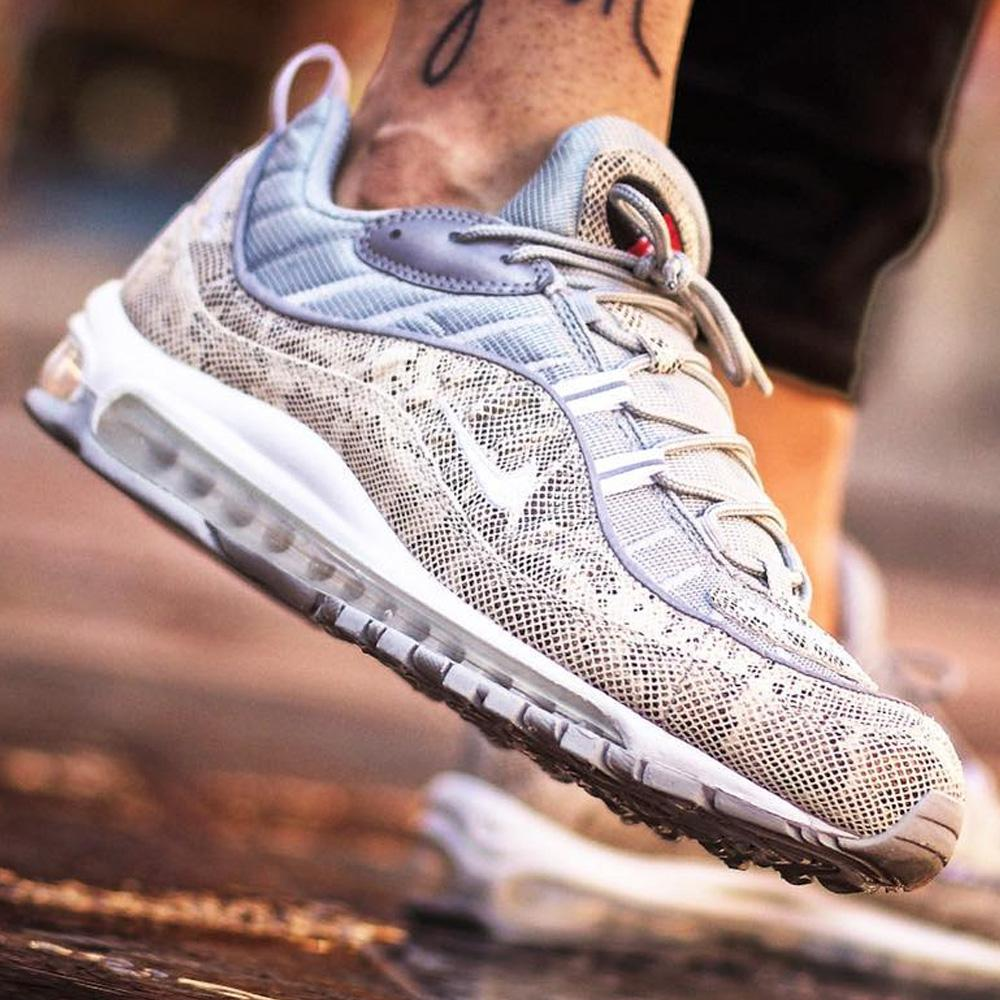 new product 100ee cddec Nike x Supreme Air Max 98 'Cream-Reflect Silver'