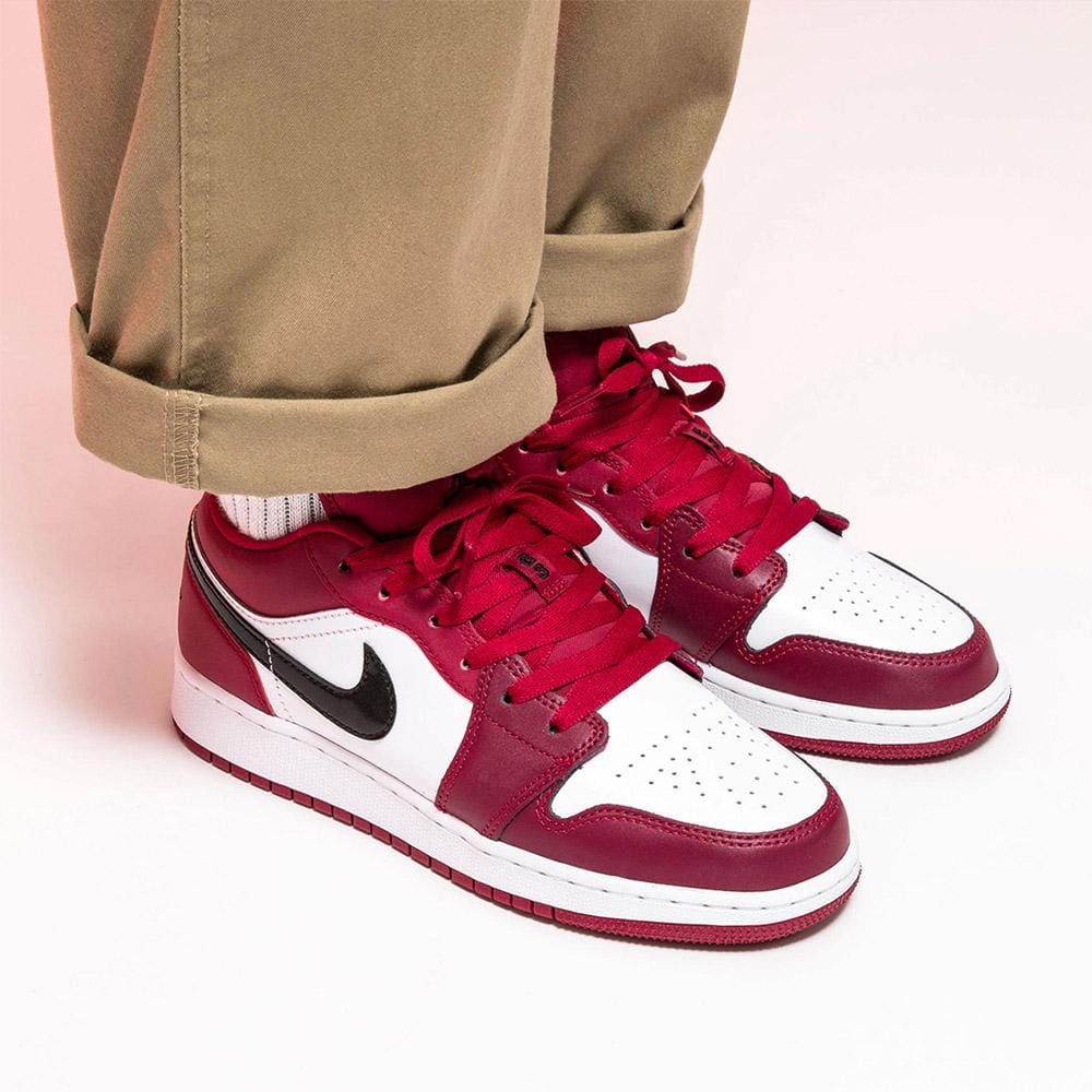 Air Jordan 1 Low Gs Noble Red Kick Game