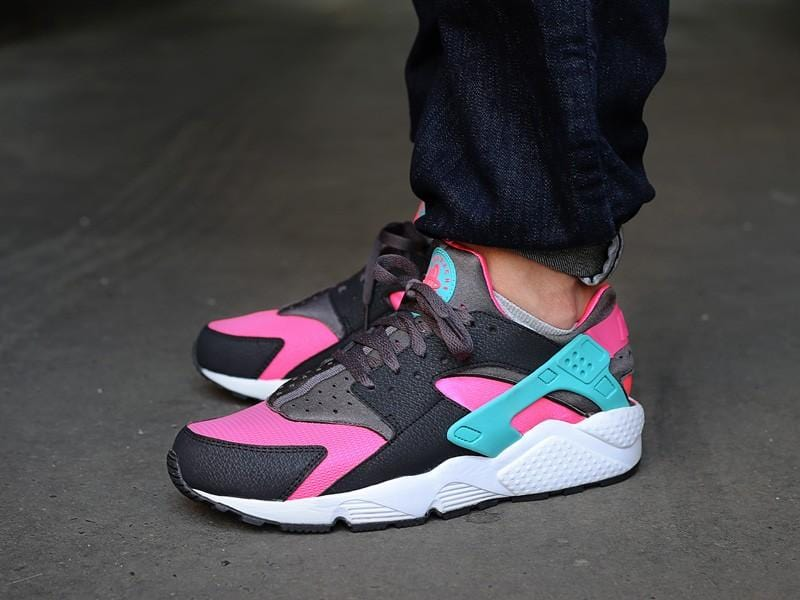 Nike Air Huarache Hyper Pink - Kick Game