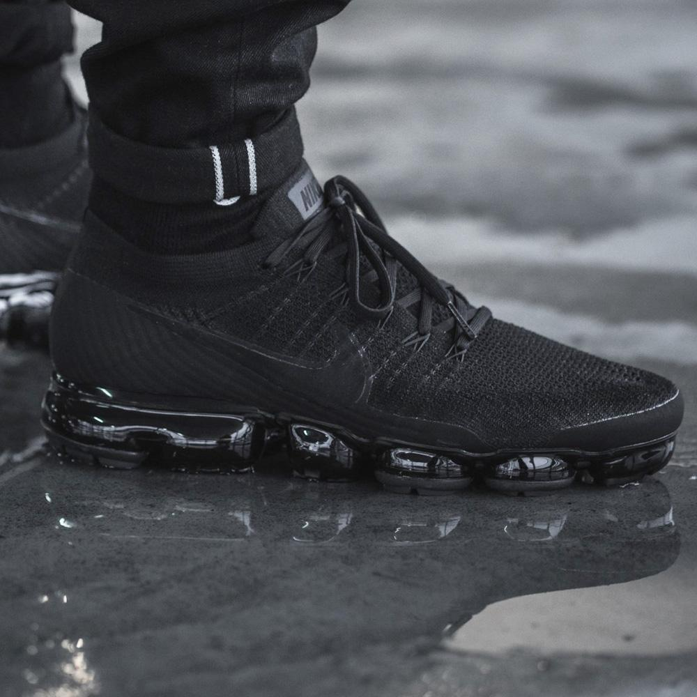 great fit 0d521 2b73c Nike Air Vapormax Flyknit Triple Black 2.0