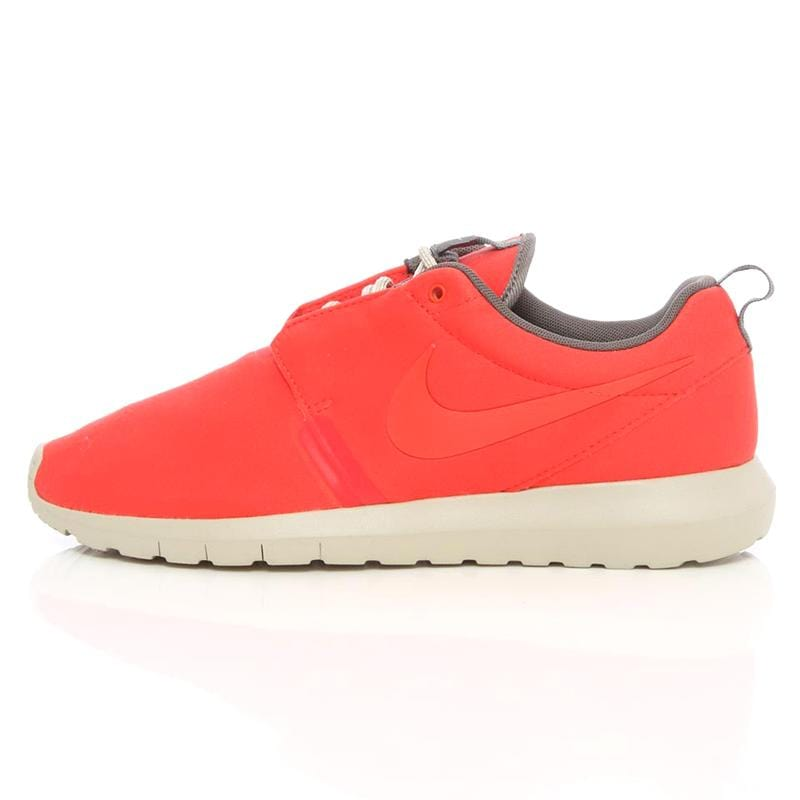 Nike Rosherun NM Light Crimson - Kick Game