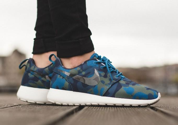 NIKE WMNS ROSHE ONE PRINT - Kick Game