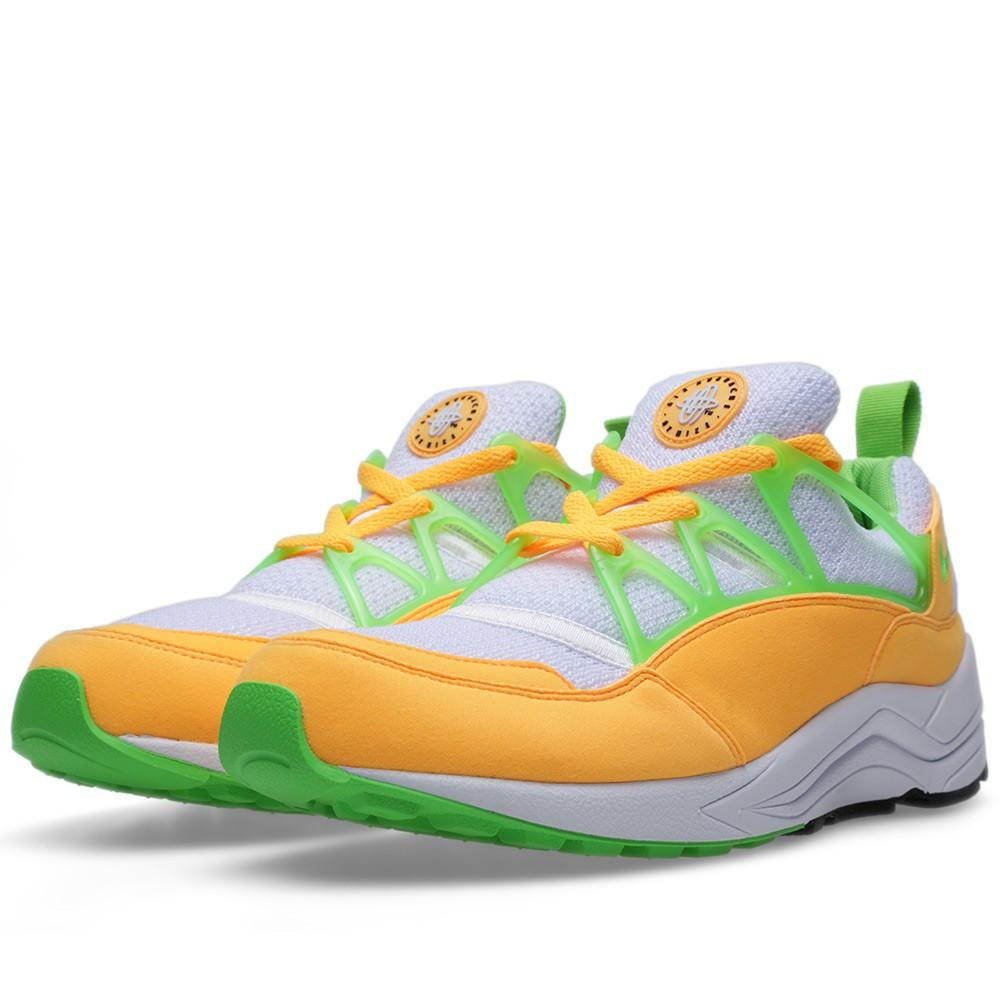 NIKE AIR HUARACHE LIGHT Atomic Mango & Action Green - Kick Game