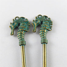 Load image into Gallery viewer, 10PCS Antique Green Bronze Horse Key