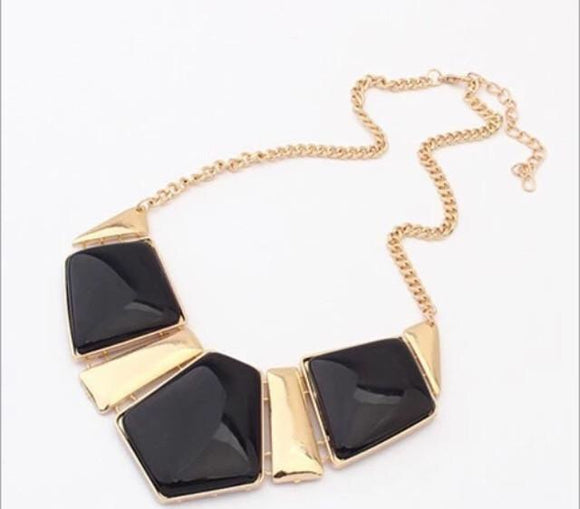 Gold plate sparkles necklace