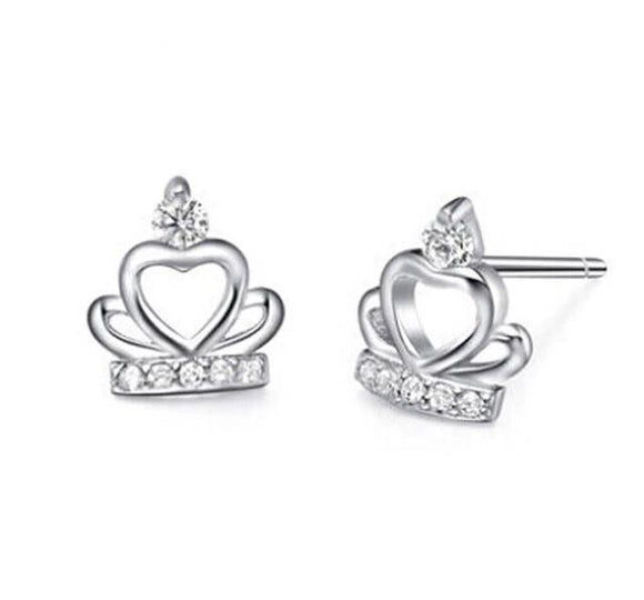 The princess earrings with a crown
