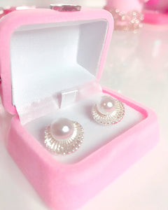 Pearl in a shell earrings