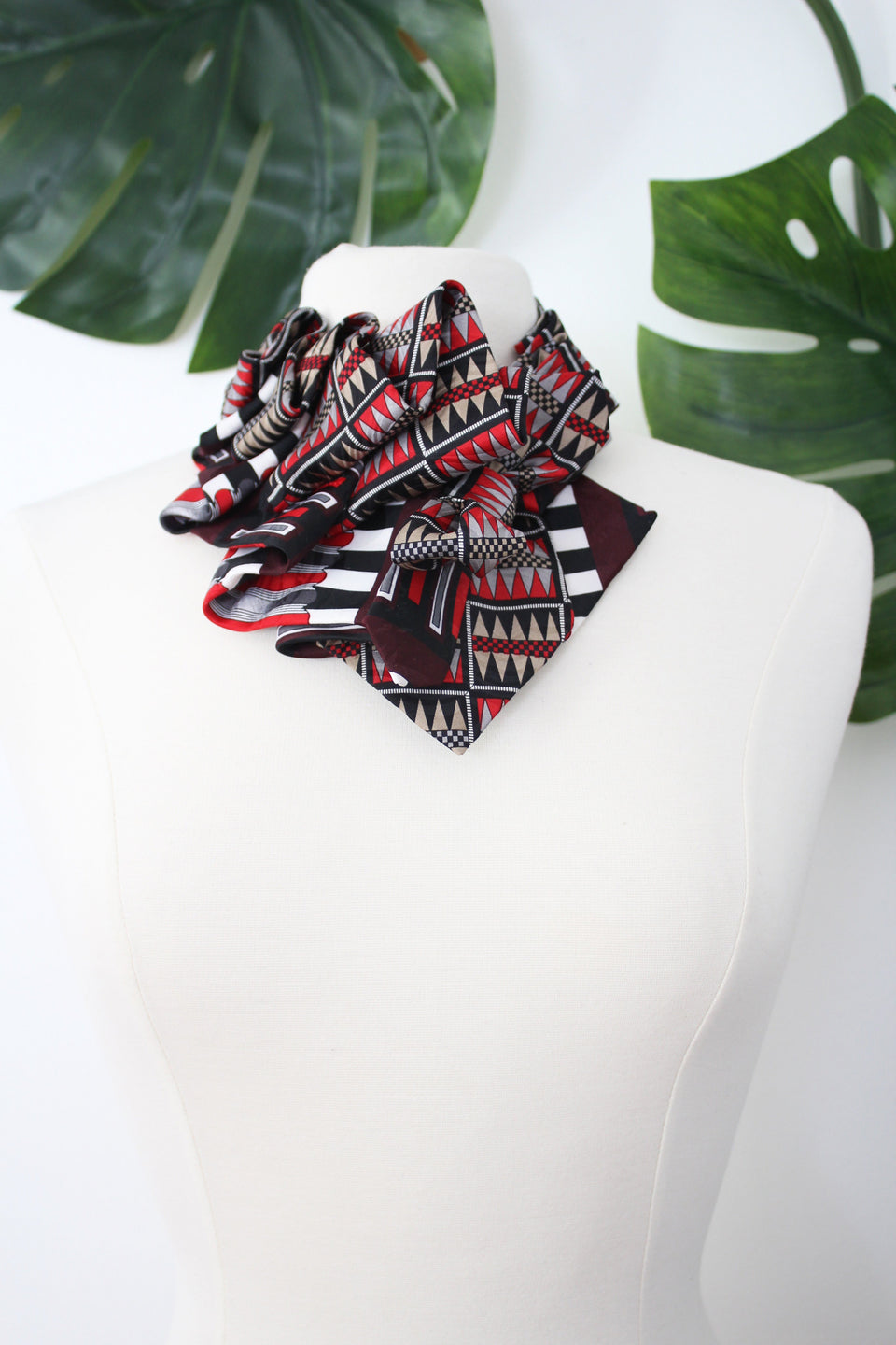 Vintage Aster in Red and Black