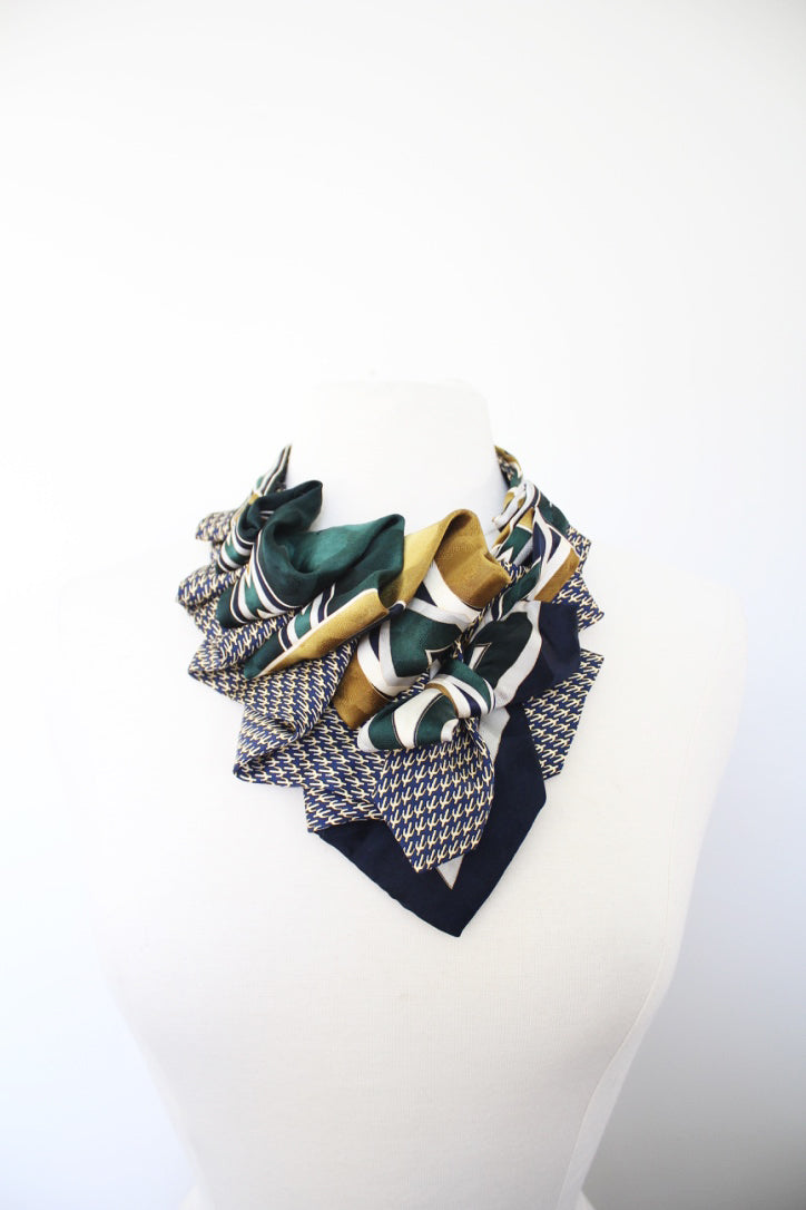 Handmade-ruffle-scarf-oneofakind-dapper-slowfashion-silk-vintage-ascot-necktie-couture-tailored-slowfashion-neckwear