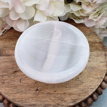 Load image into Gallery viewer, Selenite 4 inch Bowl  - Polished