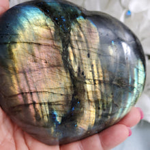 Load image into Gallery viewer, Labradorite Heart #7
