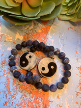 Load image into Gallery viewer, Sodalite Bracelet with DZI Yin/Yang Bead- Unisex