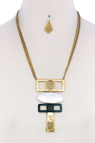 Hammered Geometric Shape Short Necklace