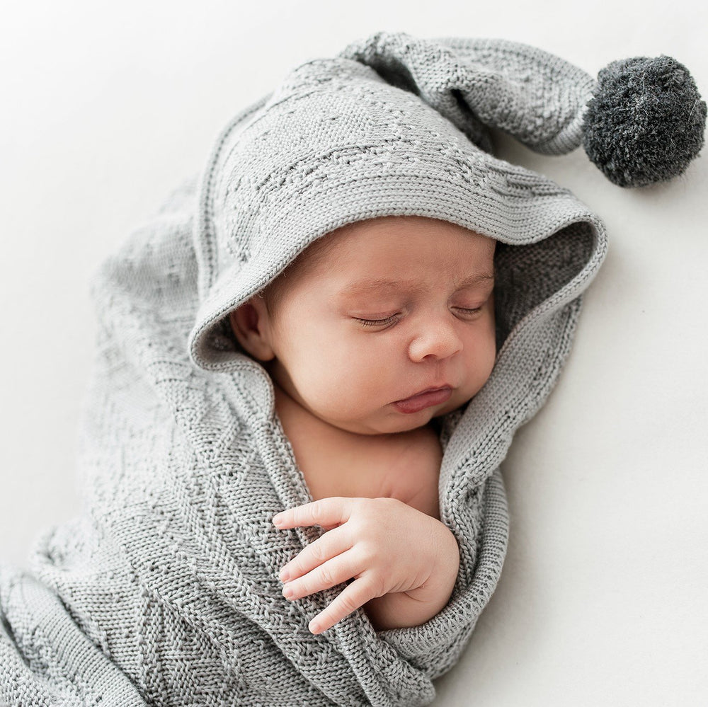 BAMBOO BLANKET WITH HOOD & POMPOMS - GREY - Babyllama store