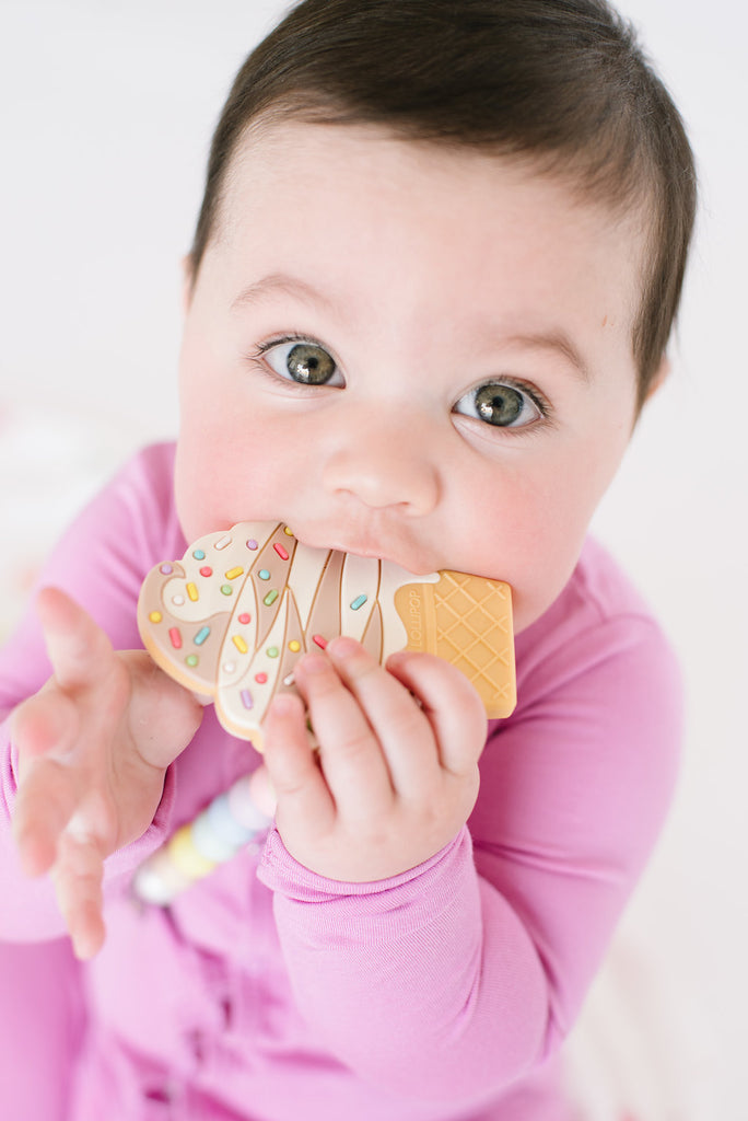SILICONE TEETHER SET - ICE CREAM STRAWBERRY-Teether-Babyllama store