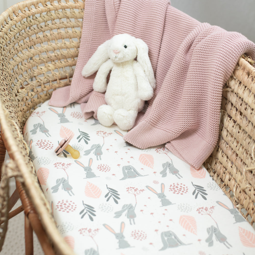 FITTED SHEET- MOSES BASKET/CARRYCOT - BUNNY