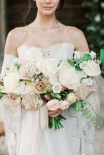 Load image into Gallery viewer, Bouquet - Bridesmaid - European