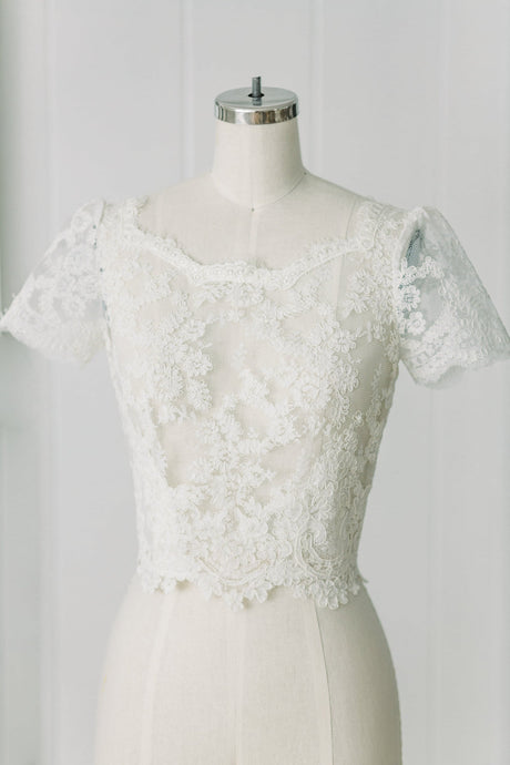 Lilly Lace Top - Rental