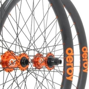 Industry Nine Hydra Custom Hand Built Mountain Disc Wheelset / Carbon Derby Rims