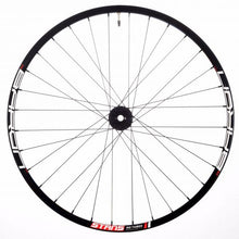Load image into Gallery viewer, Onyx Vesper Custom Hand Built Mountain Disc Wheelset / Aluminum Stan's NoTubes Rims